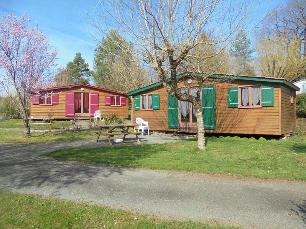 Location chalet bois 2 chambres pour 4/6 personnes près de Niort