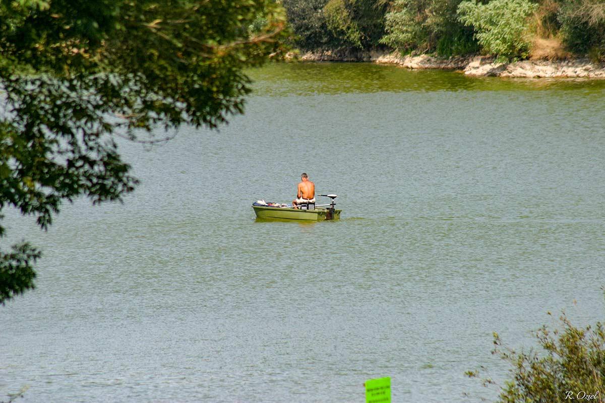 La pêche sur la Lac de Mervent 2